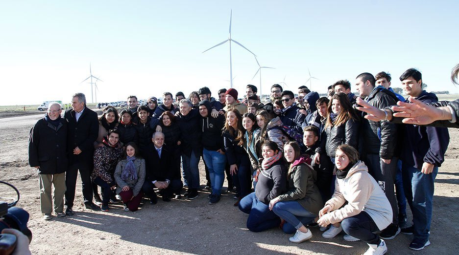 Marcelo Mindlin, Mauricio Macri y los becarios de la Fundación Pampa