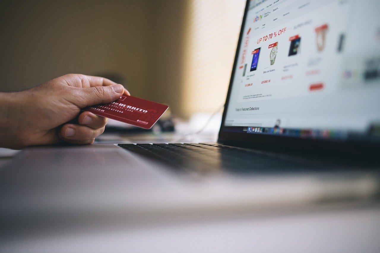 Por la cuarentena, crecen los pagos online