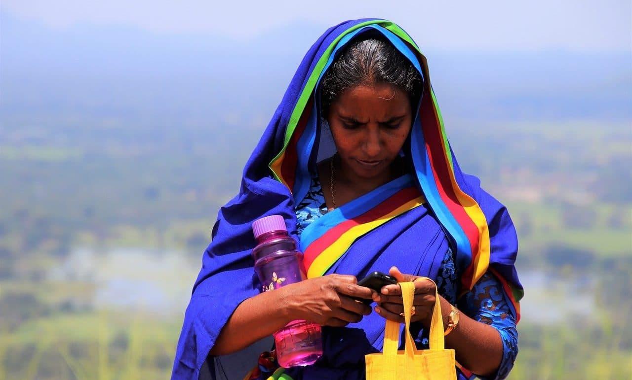 Coronavirus: La OMS reflota los SMS para llegar con información a los sectores más postergados