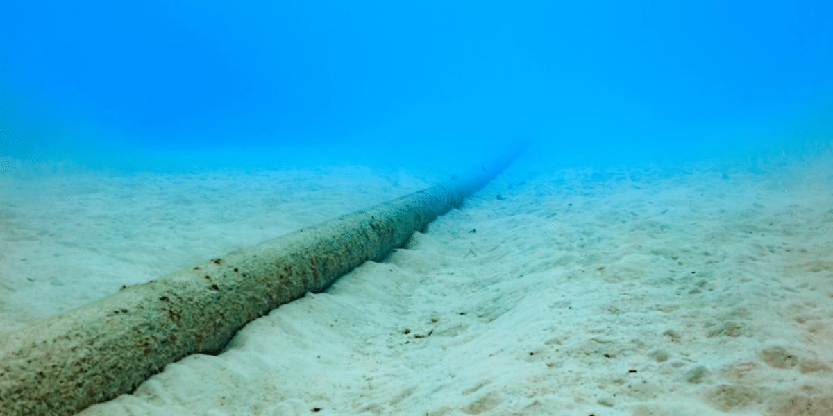 Supercables de Internet: la guerra bajo el mar que enfrenta a las potencias